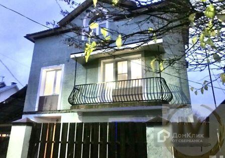 Продаётся 3-этажный дом, 219 м²