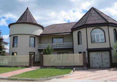 Продаётся 3-этажный дом, 521 м²