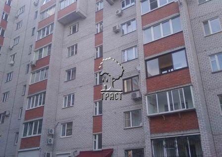 Продаётся 5-комнатная квартира, 192 м²