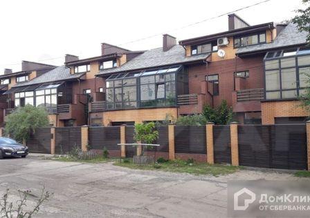 Продаётся таунхаус, 3-эт., 180 м²