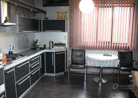 Продаётся 2-этажный дом, 240 м²