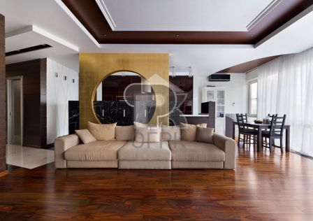 Продаётся 3-комнатная квартира, 136 м²