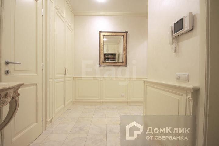 Продаётся 4-комнатная квартира, 160 м²