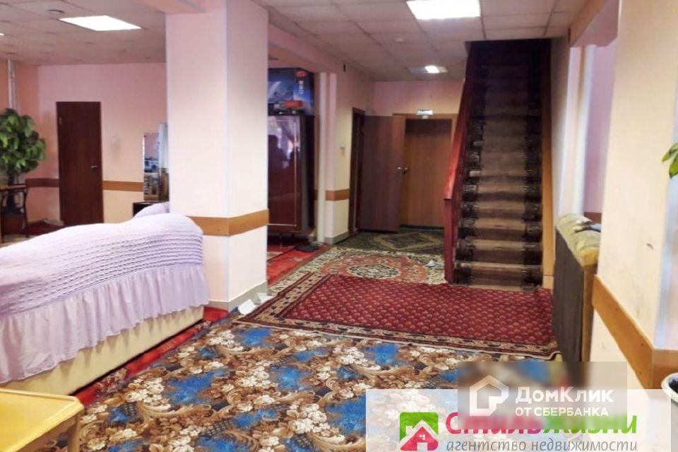 Продаётся 3-этажный дом, 472 м²