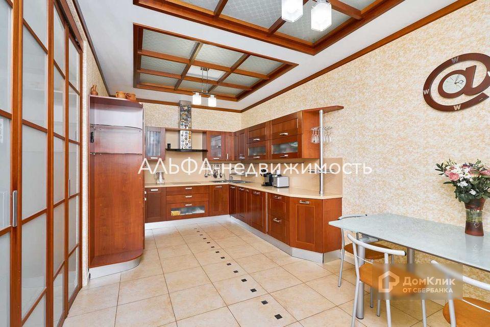 Продаётся 3-комнатная квартира, 117.1 м²